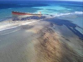 Ecological disaster bound to happen as Mauritius declares emergency due to oil spills